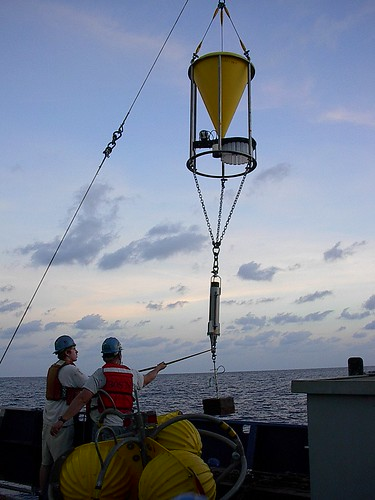 Jacob_Wayne_sediment_trap_mooring_12Nov2004