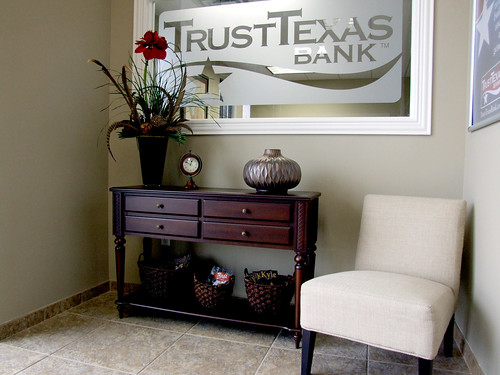 Inside Trust Texas Bank