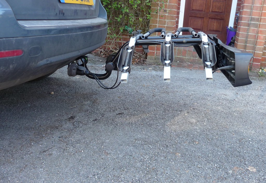 Thule towball bike rack (2)