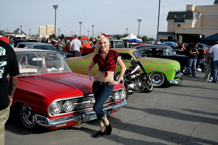 Carshow pinup 244