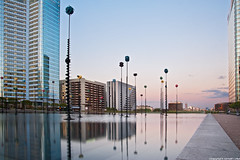 Bassin De Takis - La Defense - Paris (romvi) Tags: sunset paris france building water architecture reflections de atardecer la soleil nikon eau europe long exposure tramonto tour floor pastel towers perspective first ladefense villa pause tours reflets defense romain sculptures 92 offices bassin couch puteaux bureaux takis immeubles longue batiments hautsdeseine etages d700 romainvilla tourfirst romvi bassindetakis