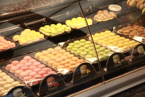 Bachmann Macarons Display
