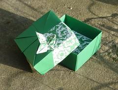 "Quadratische Schachtel ""Bouvardia"" von Tomoko Fuse (Tagfalter) Tags: origami box tomokofuse"
