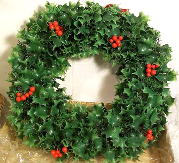 vintage-plastic-wreath