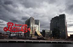 Famous Pepsi sign from Manhattan (Kiko Yera) Tags: york nyc newyork canon waterfront manhattan longisland queens pepsi bottlingplant mywinners 5dmkii