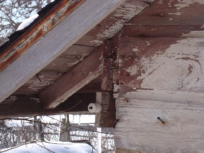 shed eaves