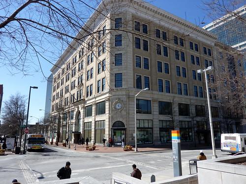 P1000791-2012-02-07-Richs-Broad-Alabama-Corner