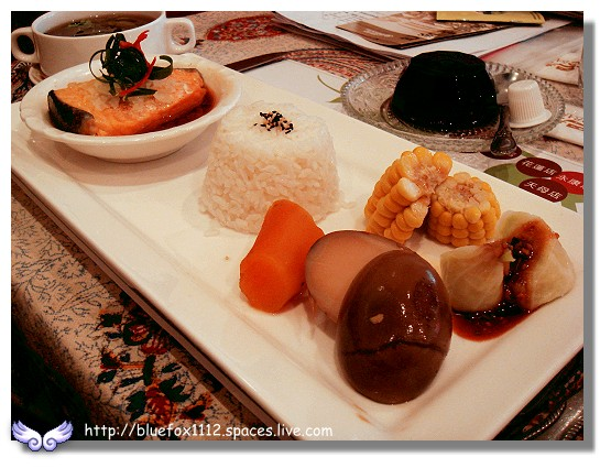 100219-1巴登咖啡05_香蒜鮭魚套餐