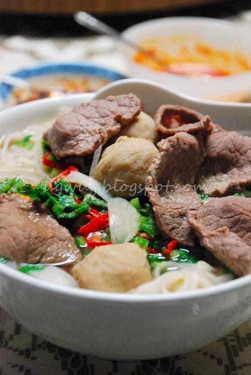 Vietnamese Beef Noodles (Pho)