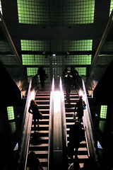 Madeleine - Couleur / Color (philoufr) Tags: paris stairs subway mtro escalator madeleine escalier ratp canonpowershots90