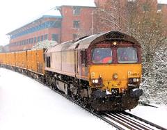 The Sh*t Train In The Snow (R~P~M) Tags: uk greatbritain england train diesel unitedkingdom buckinghamshire railway 66 locomotive aylesbury bucks freight dbschenker