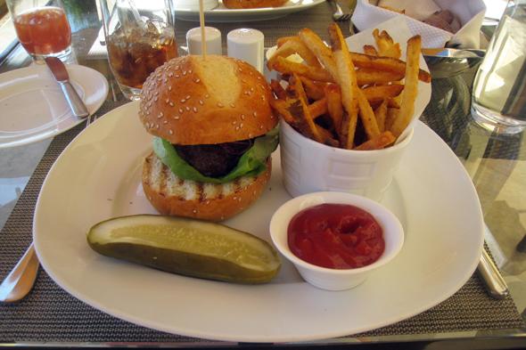 101709_burger