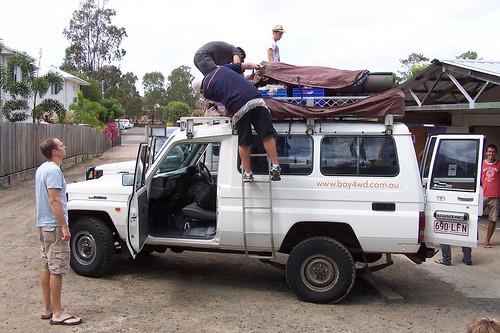Préparation du 4x4 @ Fraser Island, Queensland, Australia