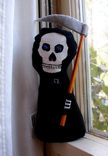 A Plush A Day Challenge: Day 4 - Discworld Death