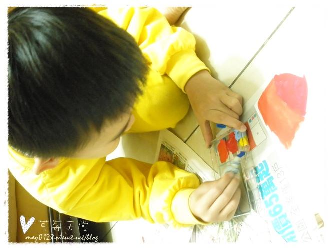 20091113_7在家畫畫.JPG