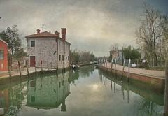Semplicemente... (discussione sulle texture... d la tua, se vuoi ;)) (Chiarissima) Tags: texture acqua venezia canale torcello riflesso inincontrifotograficianordest