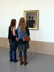 La Reproduction Interdite (Jacco van Giessen) Tags: people netherlands museum rotterdam watch watching van boijmans beuningen watcher boymans museumwatchers 2939mk