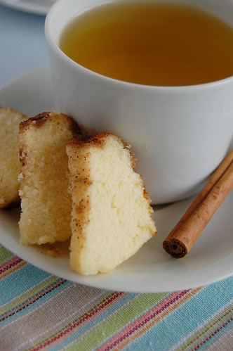 Cinnamon tea cakes / Bolinhos com cobertura de canela