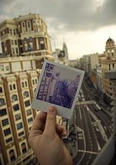 Gran Via / Polaroid (Alberto Sen (www.albertosen.es)) Tags: madrid street españa polaroid calle spain nikon hand edificio via capitol alberto gran carrion sen cartel schweppes callao vincci d80 albertorg