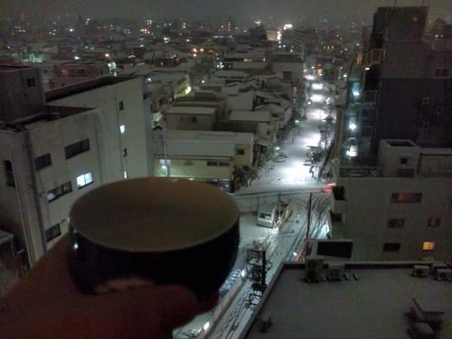 ベランダで雪見酒〜