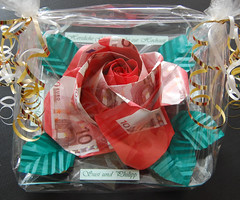 Wedding Present (Knautschogami) Tags: origami paperfolding papierfalten