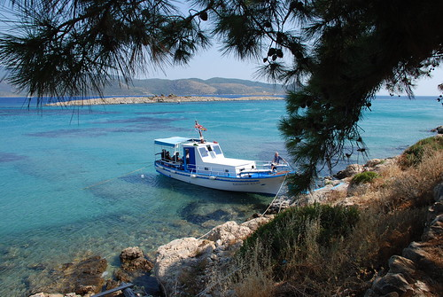 Båten som går till Psili Amos från Pythagorion