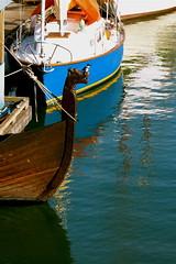 perfect perch (Szymek S.) Tags: canada bird vancouver boat ship britishcolumbia replica bow kingfisher perch falsecreek kitsilano vikingship figurehead beltedkingfisher cerylealcyon munin heritageharbour
