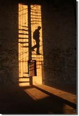 """La Vanguardia - foto premiada  : """"los colores de una sombra"""" (Color-de-la-vida) Tags: shadow lavanguardia lugargirona colordelavida concursosumejorfotodel2009 loveshadows modelopiriskoskis thebestshadows"""