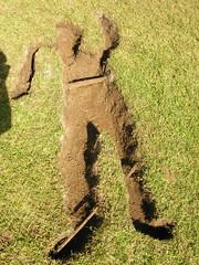 Ausentes 04 (jabondepolvo) Tags: arte gente personas uabc escuela silueta lugar landart mexicali tierra vaco ausentes cavar