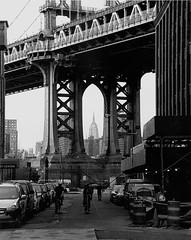 (EKFILM) Tags: bw ny film brooklyn 50mm nikon kodak trix manhattanbridge nikonfm10 empirestatebuilding nikkor 18 fm10