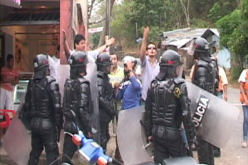 Colombian police attack BP strikers