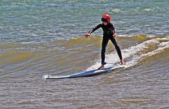 Hjälmförsedd 2 (Quo Vadis2010) Tags: westcoast västkusten kattegatt hallandslän halland municipalityofhalmstad halmstadkommun halmstad sandhamn görvik cityofsurfers wavesurfing wavesurf vågsurfing vågsurf surfing surf vågor våg sea hav beach strand surfbräda bräda sport activity aktivitet lifestyle livsstil se
