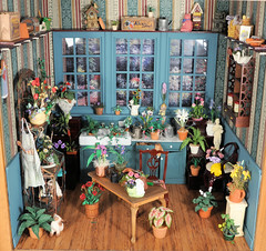 Gardening Room 1:12 Scale Dollhouse Miniature (MiniatureMadness) Tags: flowers plants miniatures miniature pharmacy dollhouse gardenroom roombox oneinchscale dollhouseminiatures 112scale dollhouseminiature handcraftedminiature 112scaleminiature miniatureartist annmaselli