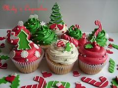 Christmas Cupcakes by Mily's Cupcakes (Mily'sCupcakes) Tags: christmas red white tree verde green blanco by arbol boot navidad cupcakes rojo bell campana mistletoe merry crhistmas bota muerdago milys