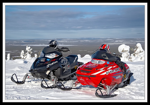 Snowmobiles_1
