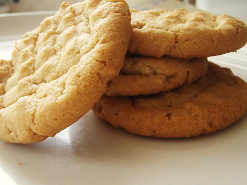 classic peanut butter cookies - 12