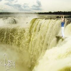 Cataratas del Iguaz (RoxiRosita) Tags: argentina rain landscape flow lluvia paisaje falls enero waterfalls cataratas iguazu misiones caudal roxirosita cynthiaroxanariosnuez