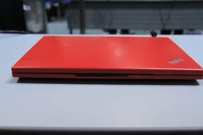ThinkPad X100e 正面