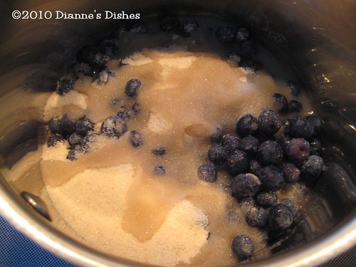 Blueberry Cake: Blueberries, Sugar and Water
