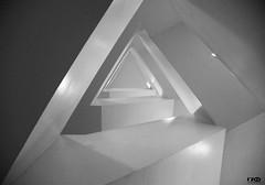 Guggenheim Museum 3 (Monika Ostermann) Tags: nyc bw usa newyork museum us blackwhite guggenheim schwarzweiss manhatten guggenheimmuseum blackwhitephotos monikaostermann