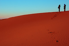 desert whispering (hh96) Tags: people sahara whispering desert top dunes morocco chatting speaking erg chebbi