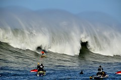 Closing In (Lyrinda) Tags: ocean sea seascape photo surf waves surfer contest wave surfers halfmoonbay mavericks pillarpoint princetonbythesea mavericks10