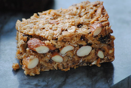 homemade-chewy-granola-bars (6)