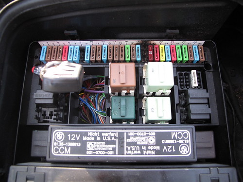 pics of my melted fuse box (finally)