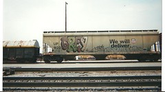 GREY/FELON/CHA (BGIZL) Tags: grey graffiti trains amf ba cha felon pvc hoppers