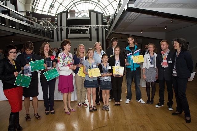 Νίλι Κρόους και οι νικητές του διαγωνισμού