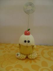 docinho de cereja (La Bambina Biscuit) Tags: toys biscuit enfeites decorao cereja portarecados lembrancinhas porcelanafria toyarte artetoy