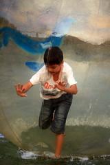 20091108_9779 (Yiwen103) Tags: 內灣 露營 尖石 卡丁車 櫻花谷 碰碰船 踏踏球