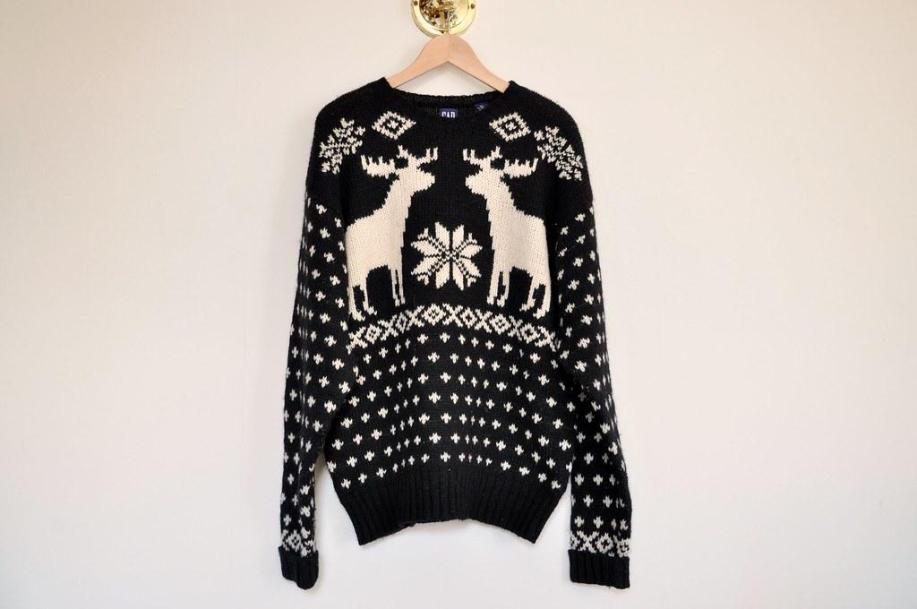 vintage oversized gap reindeer sweater