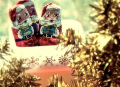 krisp kringles!!!!! (bunbunlife) Tags: santa christmas favorite white house cute home glass vintage gold candy rice chocolate foil crisp snack kawaii treat tradition bake zakka kringle palmers glasbake krisp